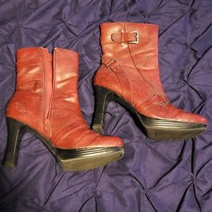 Bakers red ankle boots, 7